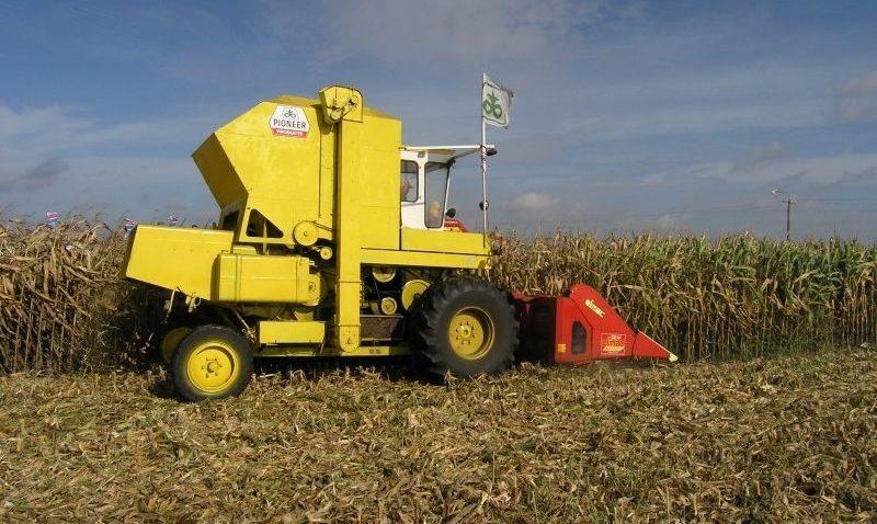Maszyny rolnicze: kupić czy wynajmować?