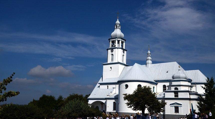 Sanktuaria znaczone modlitwą rolników: Pani Rolniczego Trudu wTarnowcu