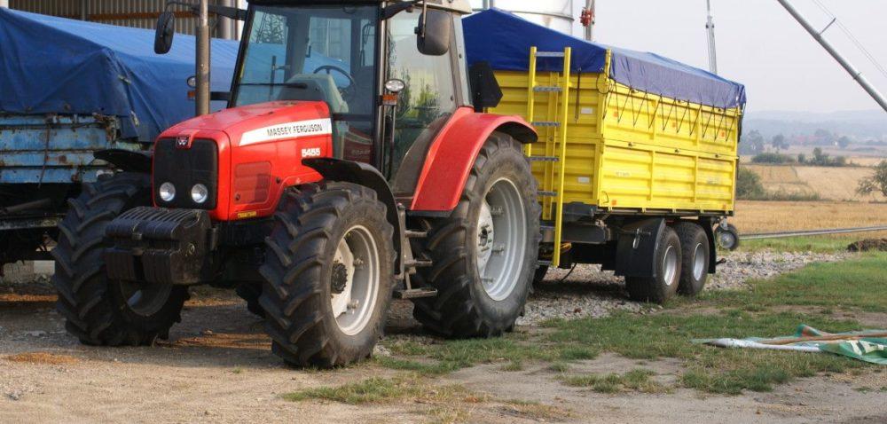 Zakup maszyn rolniczych: skąd wziąć gotówkę?