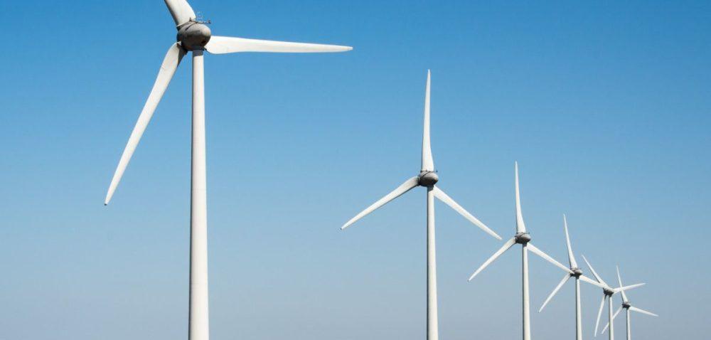 Elektrownie wiatrowe stworzą 42 tys. miejsc pracy