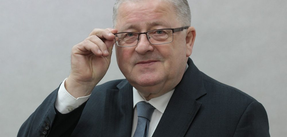 Siekierski złożył sprawozdanie