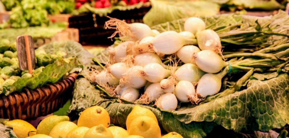Rynek Bronisze: ceny owoców iwarzyw