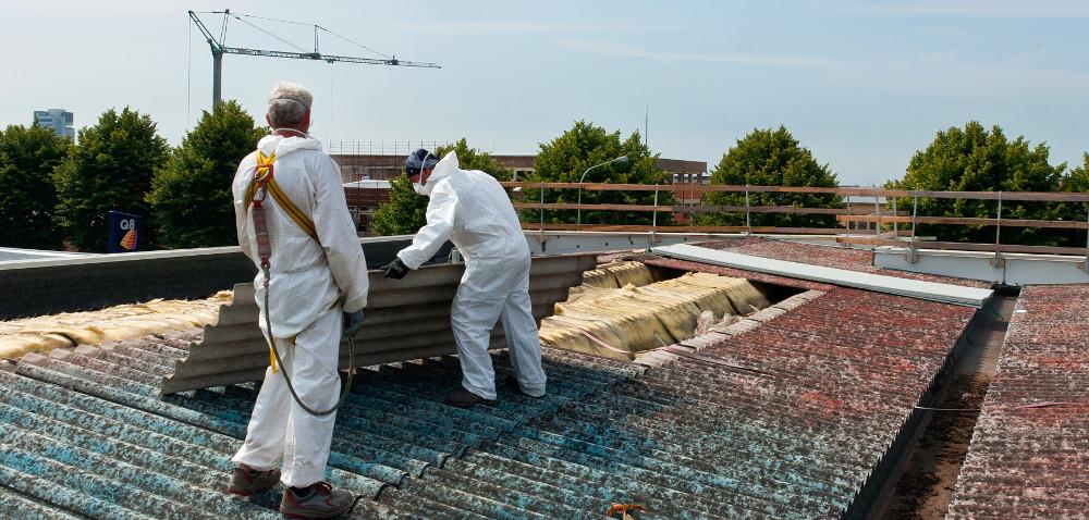 Niebezpieczny azbest: do kiedy go usunąć?
