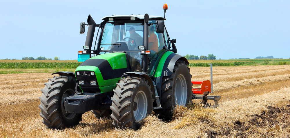 Rynek nowych ciągników rolniczych odbija się od dna