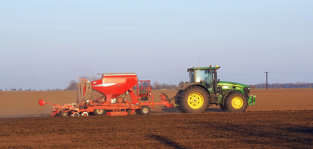 Kujawsko-pomorskie: rolnicy prowadzą wysiewy rzepaku