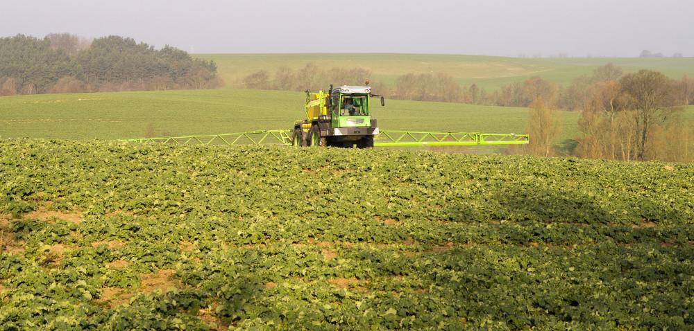 Formulacja herbicydów: sucha czy płynna?