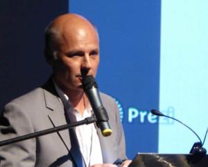 Andrzej Ćwik, jako doświadczony hodowca róż, chętnie udziela porad
