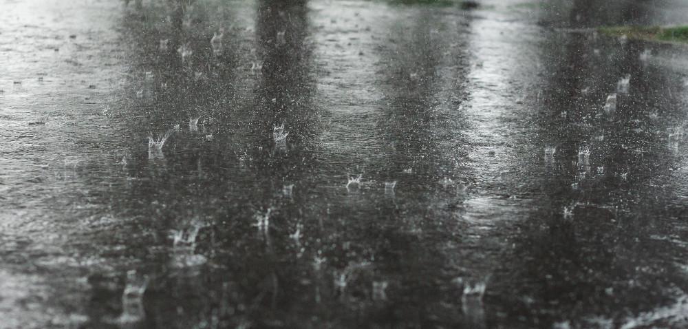 Deszcz pada iosłabia skuteczność oprysków