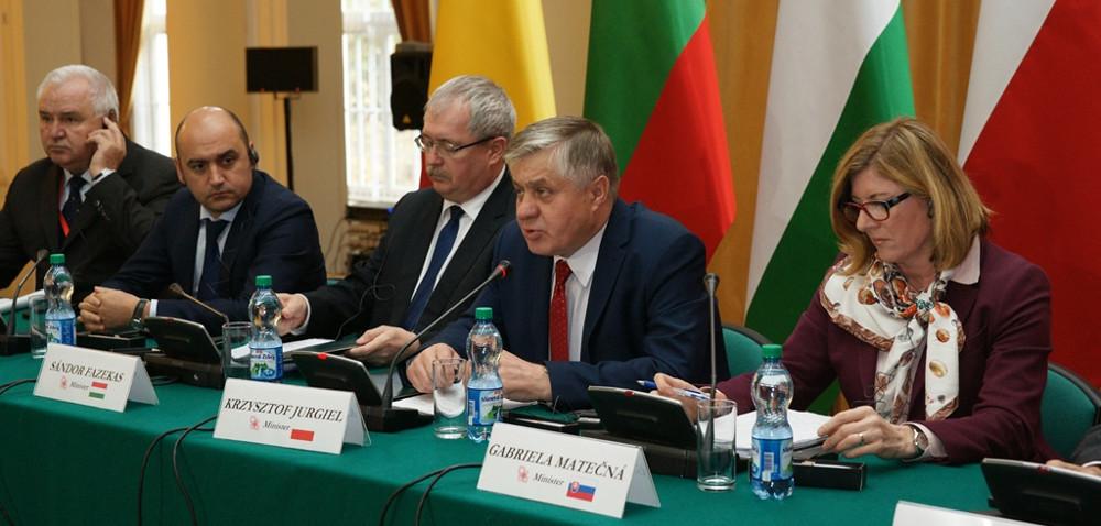 Spotkanie ministrów wWarszawie: uczmy się na błędach