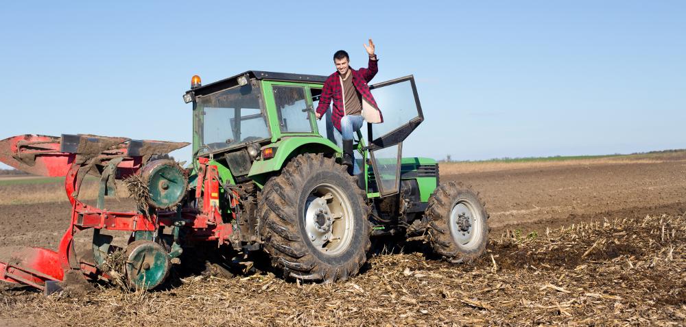 Konserwacja maszyn rolniczych przed zimą: pług iagregat