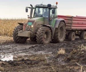 Konserwacja przyczepy rolniczej – 7 błędów, które możesz popełnić
