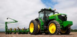 Sprzedaż ciągników rolniczych wpaździerniku