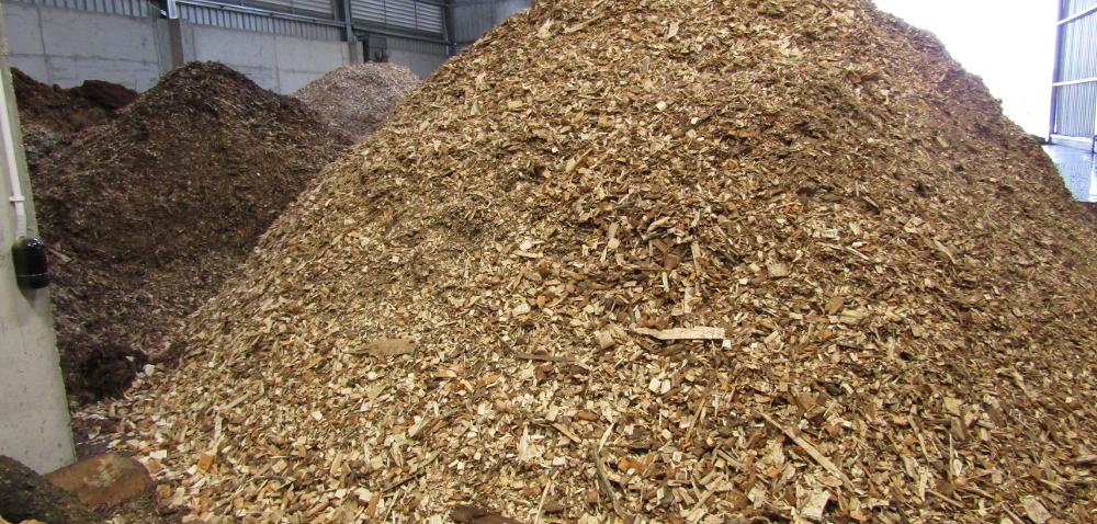 Zrębki drzewne – wydajne rozwiązanie grzewcze