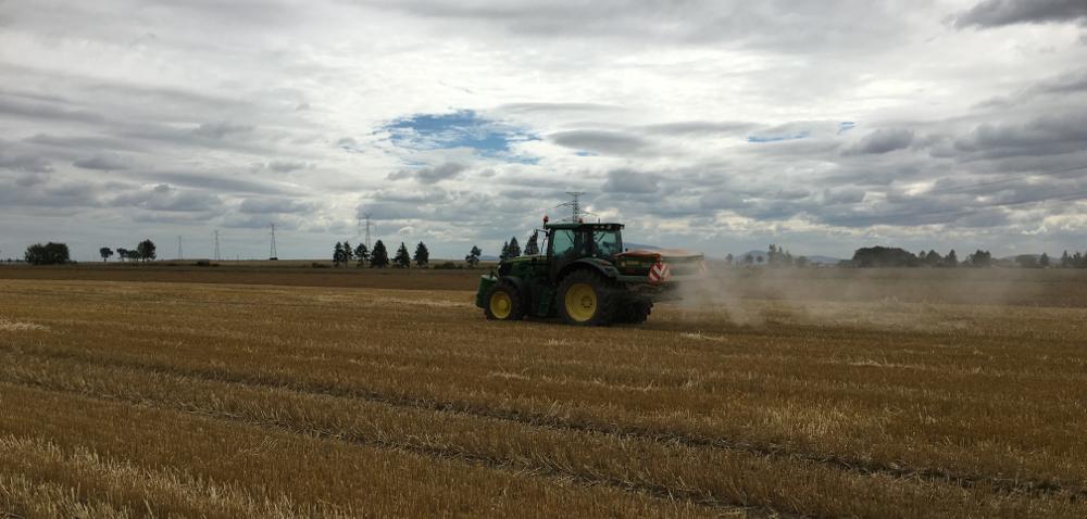 Wapnowanie gleby po żniwach – wybierz dobry nawóz!