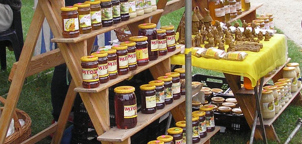 Naturalne produkty pszczele – dobrym sposobem na godziwy zarobek rolnika