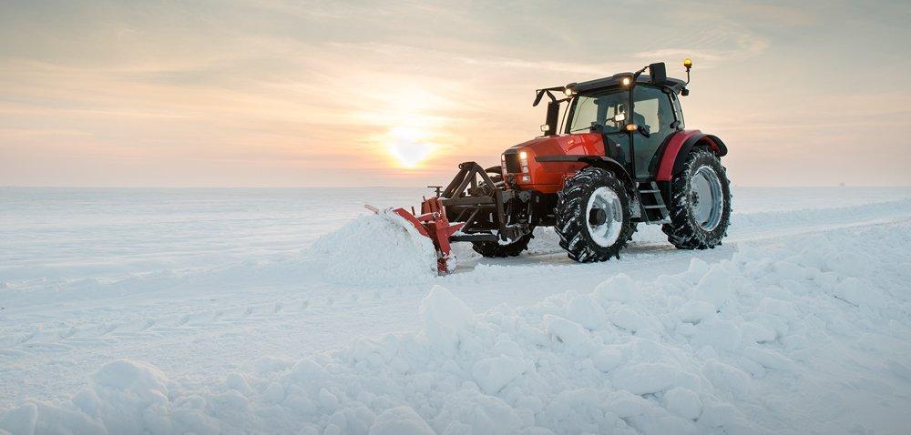 Zima zAgriTrac. Jakie ciągniki rolnicze przetrwają mrozy?