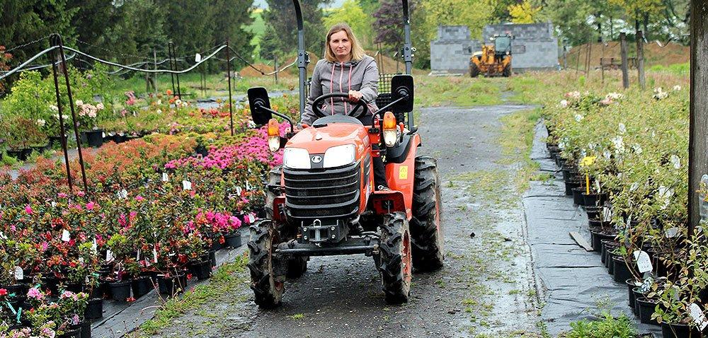 Traktor do szkółek ogrodniczych, czyli wielofunkcyjny scyzoryk