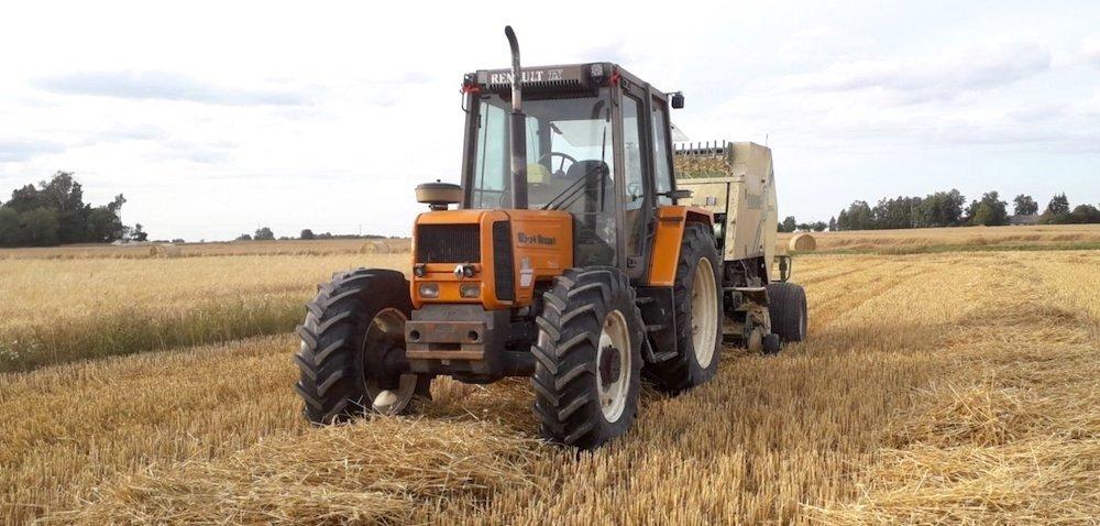 Używane traktory Renault – gdzie królują na polach?