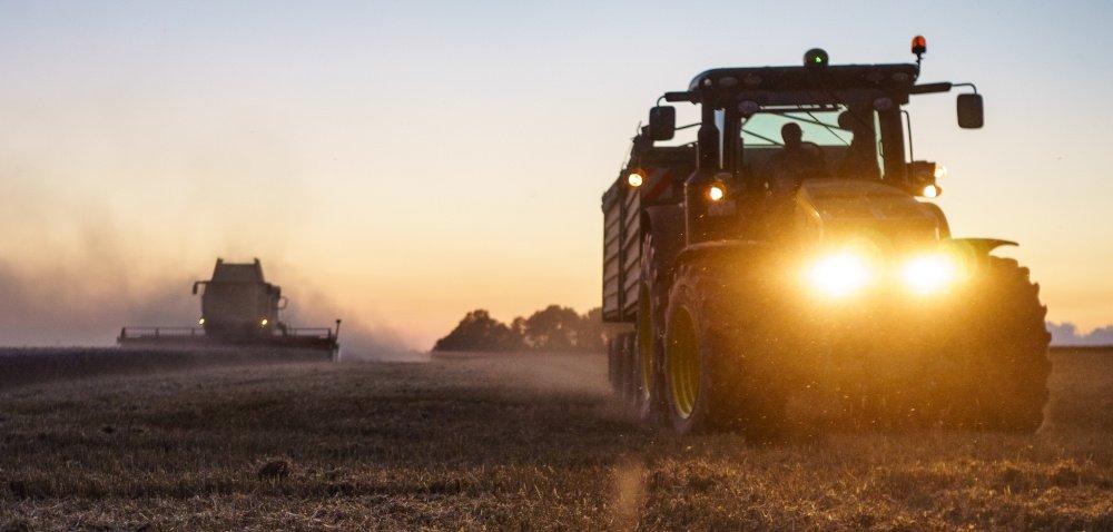Oświetlenie maszyn rolniczych. Zadbajmy onie nie tylko wczasie żniw