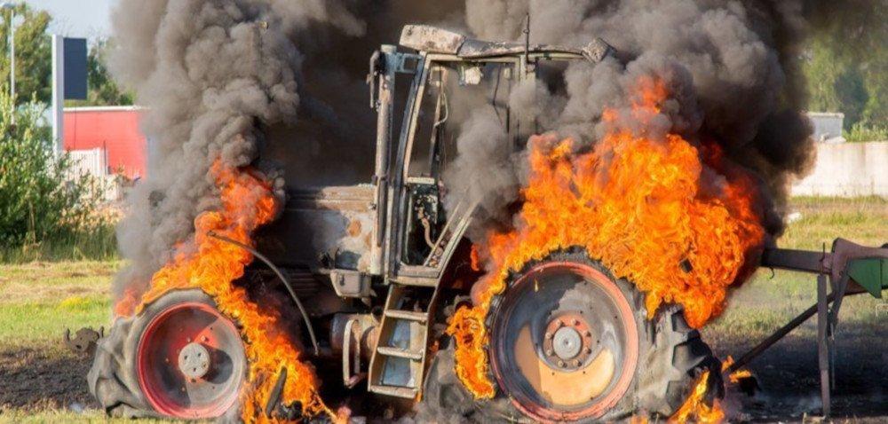Pożary maszyn rolniczych. Jakie są ich przyczyny?