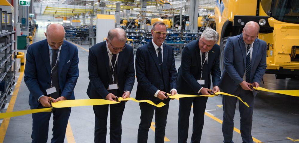 Nowoczesna linia produkcyjna kombajnów CX New Holland