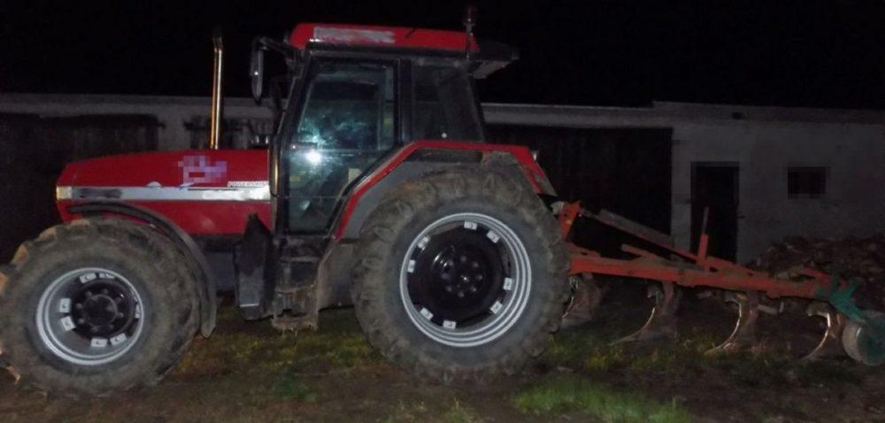 Pijany rolnik zaorał asfalt :)