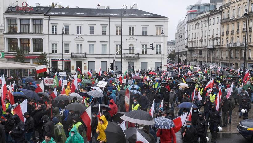 Prawie 70 tys. rolników manifestowało wWarszawie