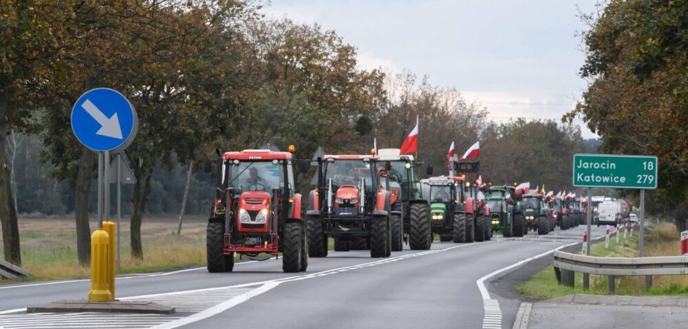 Protest rolników trwa – blokady dróg itaczki zobornikiem