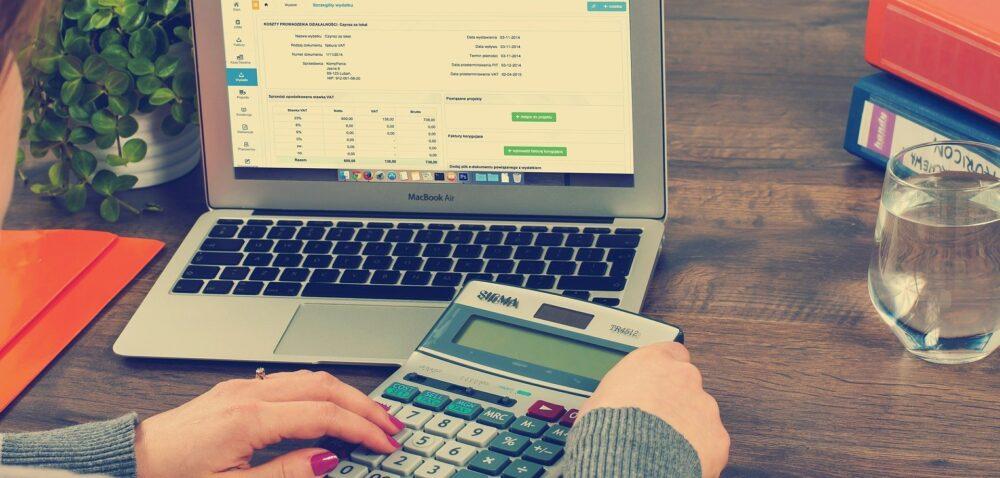 Zaliczki na podatek dochodowy iskładki na ubezpieczenie – ile zabierze KRUS?