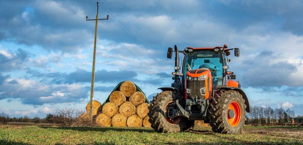 Dopłaty dla rolników na zakup ciągnika. Zjakiej opcji skorzystać?