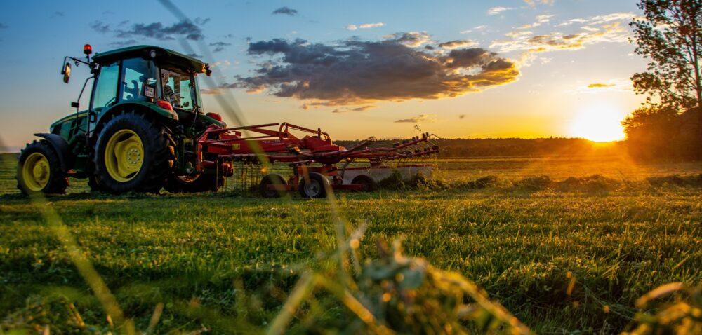 Kredyty iinne wsparcie dla rolników zbudżetu państwa. Sprawdź!