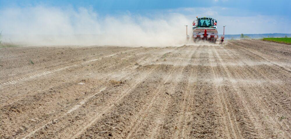 Pomoc finansowa dla rolników. 150 mln zł na suszę izalania