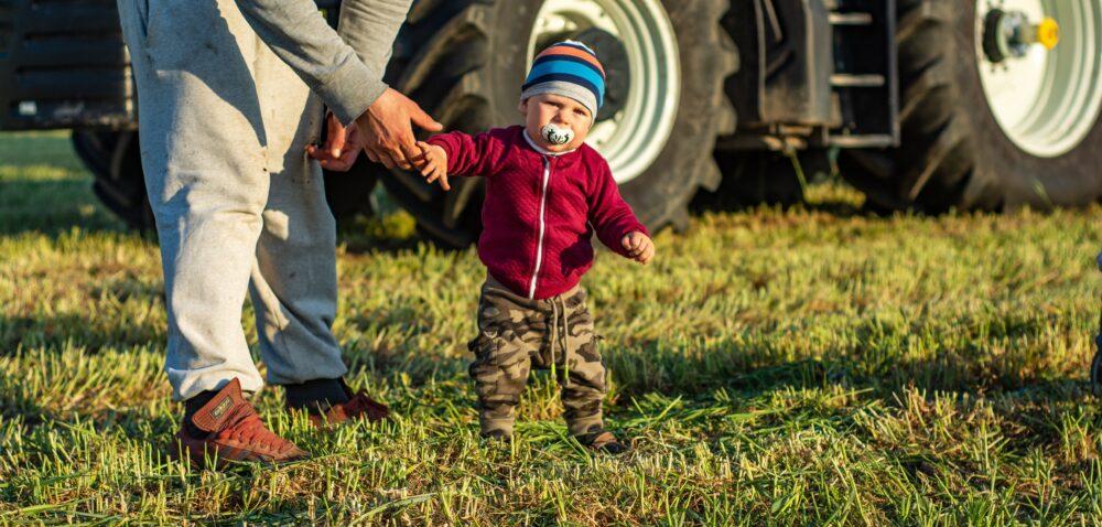 Zasiłek opiekuńczy na dziecko zKRUS – do kiedy przysługuje?
