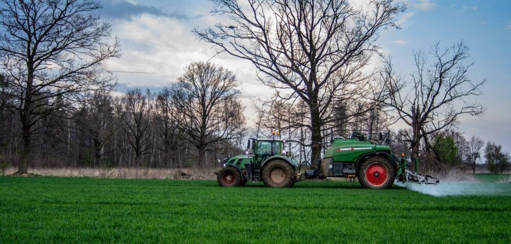 Opłata za środki ochrony roślin. Rolnicy znowu dostaną po kieszeni!