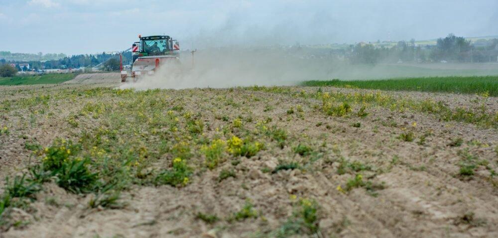 Susza rolnicza wPolsce 2021. Nowe przepisy iaplikacja suszowa