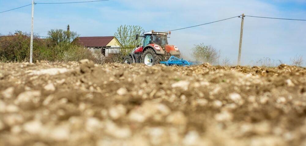 Restrukturyzacja gospodarstw – nowe wymagania dla rolników. Sprawdź!