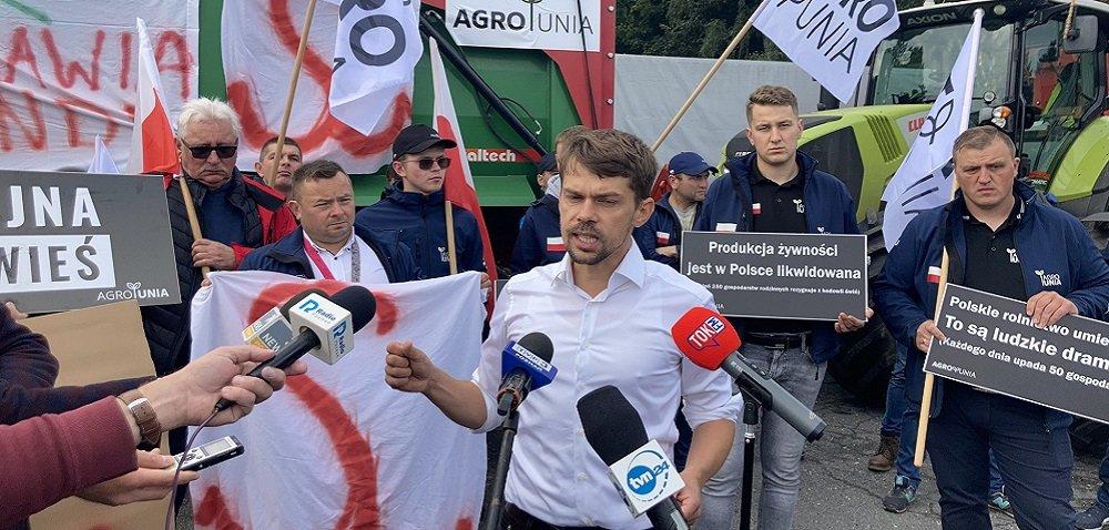Strajki rolnicze. AgroUnia blokuje drogi wcałej Polsce