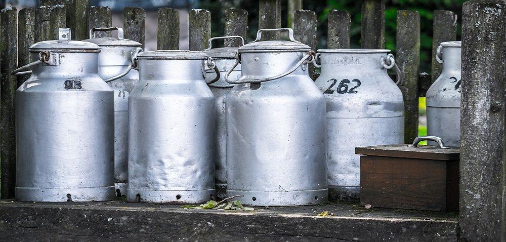 Wsparcie dla rolników iproducentów mleka od ARiMR. Dowiedz się więcej!