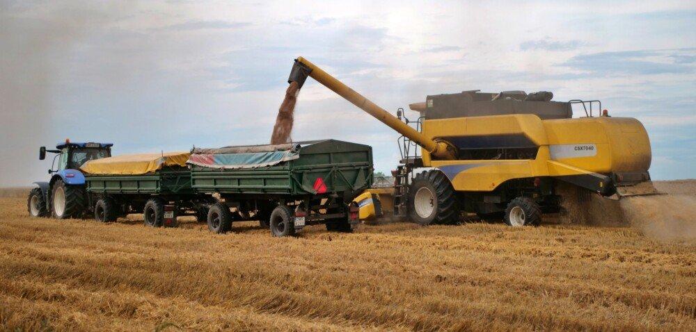 Zbiory zbóż 2021- relacja zsytuacji polowej wżniwa 2021