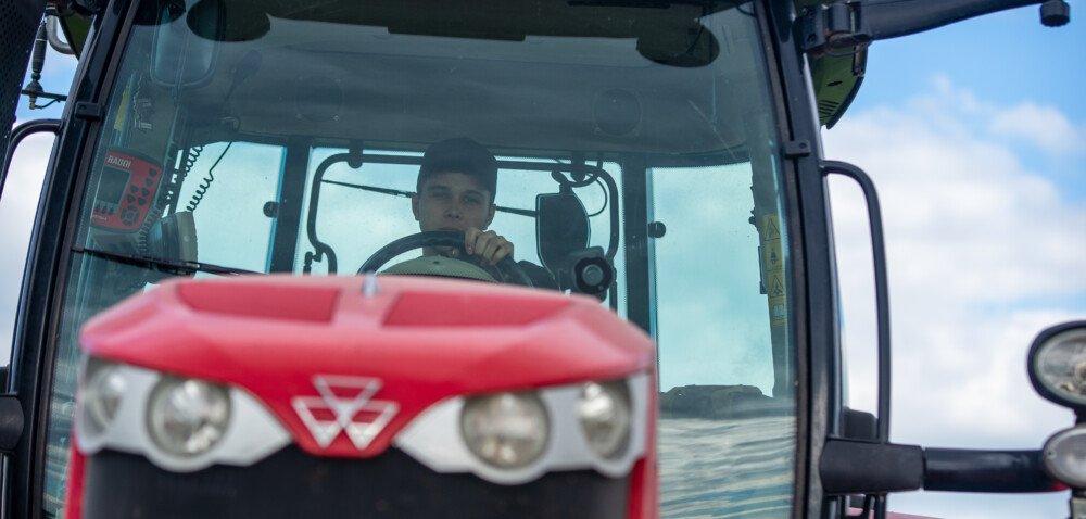 Wsparcie dla rolników najwyższym priorytetem rządu. Dowiedz się więcej!