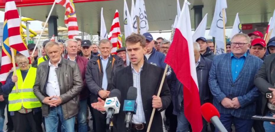 AGROunia zorganizowała protest przed siedzibą Anwil S.A. we Włocławku